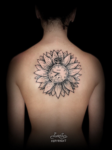 aurelio_tattoo_fanny_montre_tournesol_site