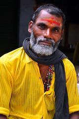 Madurai Street Vendor (itssitar) Tags: street portrait woman india temple flickr village tn faces market south uae pillar mahal arab vendor priest farmer hindu tamil sitar nadu samy meenakshi brahmin iyer andal commoner swamy mandapam ayyappa thirumalai naicker agraharam srivalliputtur kdnl naikker kadayanalur itssitar kadayanllur