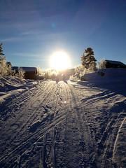 Ut p tur, aldri sur tross lav temperatur (-20) (lstuvik) Tags: norway vinter telemark sn haukeli botn vgslid vgsli iphoneography botnvest