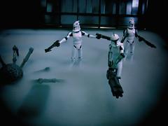 Hero pose (The Artfuldodger) Tags: trooper actionfigure starwars clone diorama clonetrooper