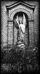 Alter Friedhof der kath. Gemeinde St. Michael  Hermannstraße   Berlin-Neukölln (ahmBerlin) Tags: friedhof berlin engel stmichael gwb neukölln guessedberlin hermannstrase gwbatineb