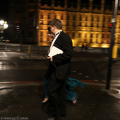 Typical british winter outfit... (Francesco | Ceron) Tags: london westminster night square outfit viaggi londra vacanza efs1755mmf28isusm