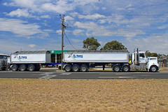 Extons Kenworth T904 Stag (callan_hare) Tags: big stag australia trucks rigs kenworth t904 extons