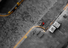 Red Bag (Caledonia84) Tags: above street lighthouse colour yellow scotland traffic glasgow double 1855mm cobbles selective sonynex5r