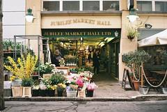 TheEnglishShop#7 (Piero Cioffi) Tags: ricoh 500g fujifilm c200 london street florist shop covent garden jubilee hall shopkeeper