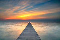 IMG_0402_2-2 (Yan.Jhamg. Lyu) Tags: scenery sky sunset seascape sun seascapes sea photography explore color canon cloud clouds 5dmkiii 2470 tamron nd106