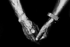 no.947 (lee jin woo (Republic of Korea)) Tags: snap photographer street blackandwhite ricoh mono bw shadow subway self hand gr korea snapshot streetphotograph photography monochrome 흑백사진 거리사진 대한민국