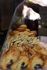 matre du monde, et les chocolatines, ta gueule (janeisgone) Tags: chocolatines pastry french bordeaux bdx bakery boulangerie