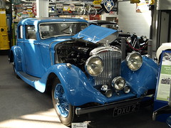 Sir Donald Campbell's blue 1937 Bentley (GABOLY) Tags: sirdonaldcampbell bentley 1937 lakelandmotormuseum cumbria england september 2016