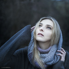 See the sky (slawomirsobczak) Tags: autumn blonde blue ethereal girl naturallight portrait scarf violet woman