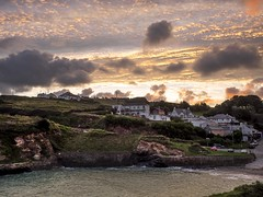 Port Gaverne Sunrise (Nigel Wallace1) Tags: sunrise portgaverne cornwall bay beach water sea birds coast car cars holiday tourist vacation southwest uk england popular cliffs colours goldenlight docmartin