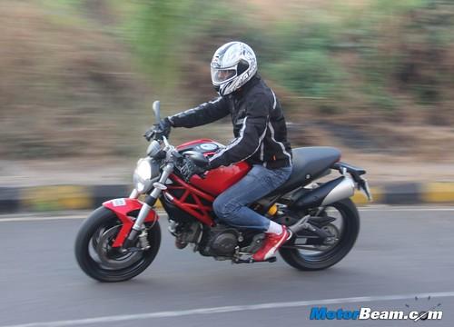 Ducati-Monster-795-05