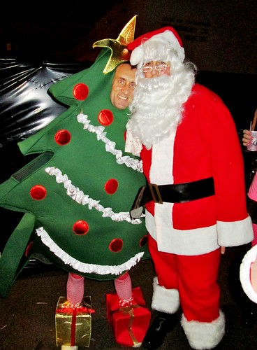 Christmas Friends, Santa Clause Hugs Tree