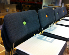 Dundra (Bl Station) Tags: ink chair furniture buttons stol hus knappar mbler dundra blstation stefanborselius svenssonmarkspelle