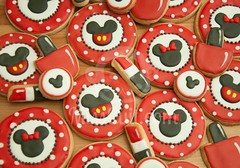 3e anniversaire (MissCuit.com) Tags: birthday cookies mouse makeup mickey biscuits lipstick minnie anniversaire