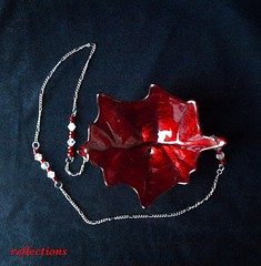 Leaf Shape Beaded Hanging Candle Holder pic5 (lisianblue) Tags: red glass gold leaf handmade colorfull creative handcrafted candleholder has beaded haf hangingcandleholder handmadeartistsforum leafshapecandleholder