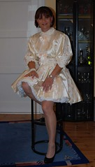 French maid (Marie-Christine.TV) Tags: beauty lady feminine cd femme tgirl wig transvestite service frau crossdresser petticoat frenchmaid feminin schn mariechristine sissymaid anklechain governess tgurl maiddress femmeside