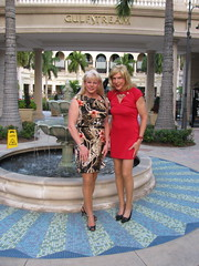 Lori and Laura at Gulf Stream (lwhitets) Tags: january4 2013atgulfstreampark