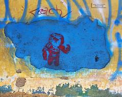 stencil reach (alan benchoam) Tags: blue azul rojo stencil guatemala space astronaut nasa reach astronauta xela espacio alcanzar alcanza benchoam alanbenchoam