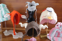 Hats over heels (Dolly Aves) Tags: blythe blythedoll blythecon shopping