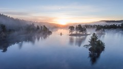 Drammen, Norway (B.AA.S.) Tags: norway norge nature natur buskerud beautyinnature autumn autumnphotography forest fog foggy mist misty morning skog sunrise sunlight water lake tree trees trr traveling tke woodland morningmist morgendis morgentke nedreeiker scenics idyllic reflections september 2016