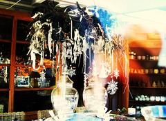 La Navidad que termina. (Poldarkk) Tags: world life navidad vida reflejo fin monde cristal mundo presente vie futuro bidart pasado
