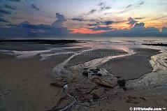 Sunrise @ Batu Hitam Beach (2121studio) Tags: nature sunrise nikon asia ali malaysia indah kuantan southchinasea blackstone alam nikonian d90 malaysianphotographer batuhitambeach 2121studio lautchinaselatan kuantanphotographer pahangphotographer pantaibatuhitam ciptaanallahswt