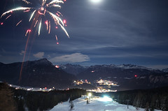 Happy New Year! (traumlichtfabrik) Tags: world new blue sky mountains alps nature geotagged happy austria tirol sterreich europa europe long pentax fireworks 14 year natur firework berge newyearseve alpen peaks blau walimex silvester coordinates tyrol position lat happynewyear 2012 k5 welt imst gipfel 14mm samyang hochimst traumlicht traumlichtfabrik
