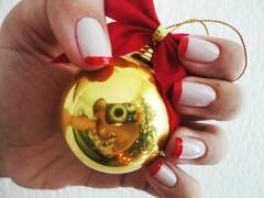 XMas Ball (kktibinha) Tags: christmas xmas red white branco natal ball gold nail vermelho nails nailpolish unhas nailart unha esmaltes esmalte francesinha