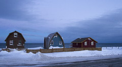 Nice trio on the 132 road (Danny VB) Tags: christmas winter sky white house snow canada cold season landscape casa view quebec hiver noel ciel neige paysage maison blanc froid gaspesie 132 gaspe ambiance saison gaspsie gaspesien gaspesienne dannyvb