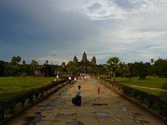 Kingdom of Wonder, Angkor, Cambodia (Michél Pretzsch) Tags: cambodia angkor wat asia travel temple siemreap angkorwat walkway rain season potholes dragonfly culture khmer history coulours people panasonic dmc fz18 michél pretzsch michel diamir erlebnisreisen dresden