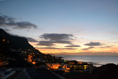 Kalk bay at dawn (payorivero) Tags: sudafrica africa southafrica capetown landscapes ciudad delcabo amanecer sunrise morning light backlighting contraluz baha bay dawn nikond3100 nikon