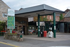 H Pigney, Appleby in Westmoreland Cumbria. (EYBusman) Tags: h pigney hardware petrol gas gasoline filling service station garage appleby westmoreland cumbria eybusman