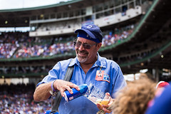 Beer Man (Phil Roeder) Tags: chicago illinois baseball wrigleyfield chicagocubs canonef70200mmf4lusm canon6d
