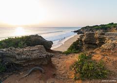 Camino al paraso. (juancalagares) Tags: playa atardecer beach cadiz caladelpato conil filtroneutro landscape mar nd8 paisaje piedas rocas seda sunset