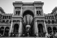 Milan B&W (ADreamingOgre) Tags: italia milan duomo piazza italy bw black white city amazing architecture arquitectura estructura edificio building galery galeria day light morning
