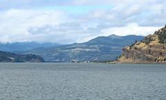 IMG_3470 (kz1000ps) Tags: tour2016 clouds oregon washingtonstate columbiariver border columbiarivergorgenationalscenicarea cliffs canyon cascaderange