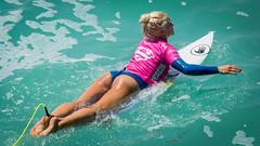 Tatiana Weston-Webb.....     2016 SupergirlPro (Schoonmaker III) Tags: oceansideca pacificcoast prosurfer supergirlpro surfing tatianawestonwebb wsl womensprosurfing surfboard surfer surfergirl surferchick surf paulmitchellsupergirlpro tatiana pink