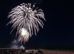 Fireworks at Bassin d'Arcachon 4 ((Virginie Le Carr)) Tags: fireworks feuxdartifice feuxartifice bassindarcachon gironde show lumires outside extrieur color colorful colors couleurs 14juillet ftenationale ponton pontoon lune moon ciel nuit night ext