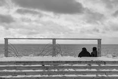 Punta Arenas (Medigore) Tags: blancoynegro byn 50mm canont3i chile medigore blanco negro monocromtico profundidad nieve ciudad agua aire libre litoral patagonia serenidad borde mar landscape blackandwhite sea clouds person snow