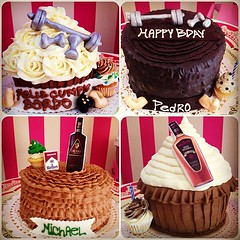 Encarga una SweetCake o un GiantCupcake para sorprender a alguien especial  solo en #sweetcakesstore #sweetcakesve #lecheria #puertolacruz #venezuela #bakery #cupcakery #cupcakes #originalcupcakes #originalcakes #giantcupcakes #sweetcake #happybday #love (Sweet Cakes Store) Tags: hoja cakes square de cupcakes yummy y para chocolate venezuela ron tienda cupcake squareformat fitness rosas cacique crema hefe torta azucar hombres fondant cigarros tortas licor pesas lecheria mantequilla sweetcakes rufles ponques iphoneography instagramapp uploaded:by=instagram sweetcakesstore sweetcakesve