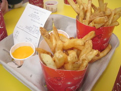 078 (Celebrate it) Tags: food frenchfries disney cheesefries magickingdom caseyscorner