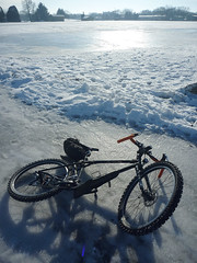 Ice Rig (Uncle Bicycle) Tags: winter ice suomi bicyclecommute studdedtire