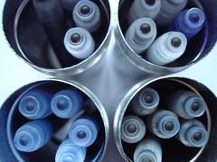 Inktblik (Moser's Maroon) Tags: blue green ink groen blauw purple tins cartridges paars patronen inkt blikjes