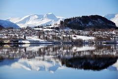 Dobbel -|- Double (erlingsi) Tags: houses europe norden reflet bella scandinavia hus reflction sunnmre mreogromsdal rsta erlingsi spegling speiling vden rystelandet