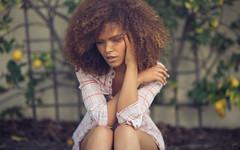 Sonalii (isayx3) Tags: portrait hair blog nikon dof bokeh grain 85mm f18 alienbee d800 onelight f18d pocketwizards strobist b1600 octabox isayx3 plainjoestudios plainjoephotoblogcom sonaliicastillo