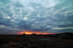 Jurassic Park (3) (pmenge) Tags: contraluz pb céu nuvens pds rochas 14mm lajedo samyang 5diii
