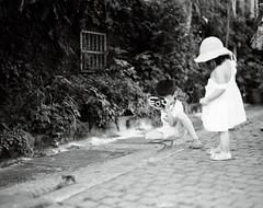 (Ah - Wei) Tags: pentax 6x7 120 medium bw film gp3 hc110 children