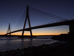 Puente internacional de Ayamonte (JCM Foto Naturaleza) Tags: puente ayamonte huelva nocturna azul horaazul largaexposicin agua noche guadiana portugal olympus olympusdigitalcamera olympuse5 zuiko1260swd cielo