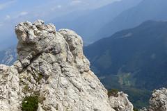 rocce e valli (Tabboz) Tags: montagna garda sentiero vetta cima trekking escursione panorama rifugio salita mugaia valle mugo lago roccia cielo nuvole